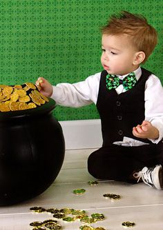 St Patrick's Day bow tie shamrock bow tie boys bow by ThePinkDove, $4.95