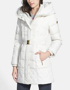 Never under estimate the chicness of a white for fall. Loving this down coat!