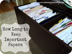 How Long to Keep Important Papers-FREE PRINTABLE-Ever wonder how long you should keep important papers such as tax returns and bank statements? Click through to learn more.