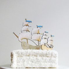 absolutely fabulous cake topper by Madeline Trait.