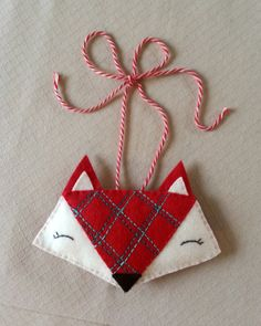 Festive Fox Ornament - free pattern and tutorial from beckandlundy.com
