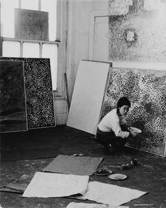 Yayoi Kusama at Kusuma Studio, 1958.