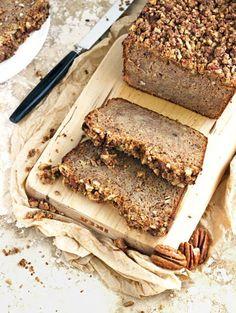 Paleo Honey and Pecan Banana Bread - Easy, healthy and the pecan streusel? TO DIE FOR. | Foodfaithfitness.com | #paleo #bananabread #recipe