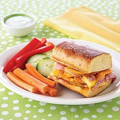 Grilled Ham, Peach and Cheese Sandwich is a quick and kid-friendly weeknight dinner idea!