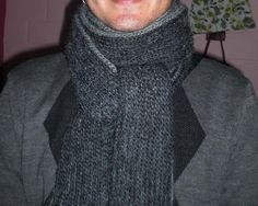 Free Crochet Men Scarf (two colors) Pattern.