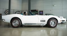 Side view of the 1969 427 #Chevrolet #Corvette Convertible. Check out those side pipes!