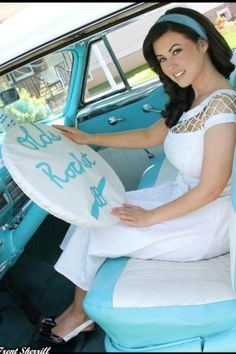 Bettie Page Clothing - 50s Alika circle dress off white TATYANA picture by Trent Sherril