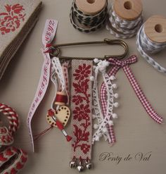 pretty vintage ribbon pin