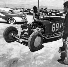 Vintage Drag Racing - Street Roadster - Look at the chunk of rubber missing on closest front tire!