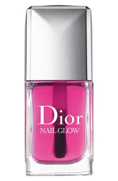 Dior Nail Glow. With one universal shade, the unique nail lacquer enhances the color of your natural nails. When applied on bare nails, the pinks of the nails become pinker and the whites become whiter for a shining finish and healthy, glowing effect.