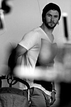 Chris Hemsworth ..