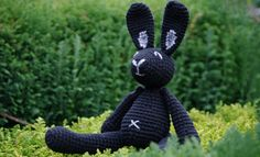 primary colors, black bunni, crochet toys, free pattern, amigurumi black, amigurumi pattern, bunni free, crochet patterns, cross stitches