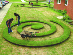 Lawn art: it's all done with edging. everedg proedg, landscap, lawns, lawn edg, lawn art, steel lawn, spiral, everedg lawn, garden