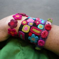 crochet flowers, crochet cuff, bangl, handmade bracelets, flower bracelet, handmad bracelet, friendship bracelets, bracelet inspir