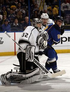 APRIL 28: Jonathan Quick #32 of the Los Angeles Kings makes a save in Game One of the Western Conference Semifinals against the St. Louis Blues during the 2012 NHL Stanley Cup Playoffs at Scottrade Center on April 28, 2012 in St. Louis, Missouri. (Photo by Mark Buckner/NHLI via Getty Images)