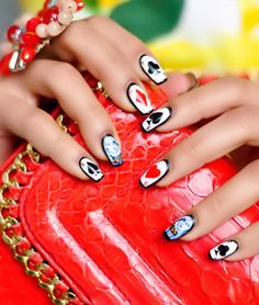 Queen of Hearts Nail Art <3