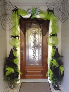 Halloween decorations :IDEAS & INSPIRATIONS  Halloween Decorations#FallintoAutumn
