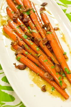 I adore sweet root veggie recipes lik this one for Maple Glazed Carrots with Bacon. #food #bacon #carrots #vegetables #spring #maple #Canadian #Canada #food