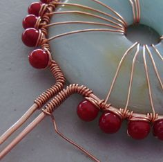 Donut, bead and wire pendant tute.  #Wire #Jewelry #Tutorials