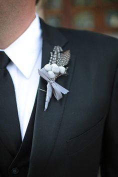 #gray #feather #boutonniere #groom #groomsmen #wedding #blooms #details