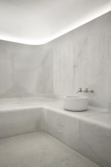 Akasha Wellbeing Centre. Sir David Alan Chipperfield. dentro, colorstextur, decointerior, architettitudin, bathroombagno, akasha, concret, baño, colortint