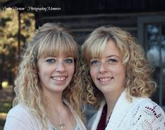 adult twin photography, family photography, twin sisters, twin photos, twin pictures