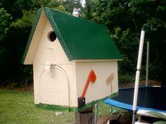 Birdhouse mailobox