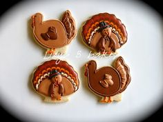 Completely cute Thanksgiving Turkey Cookies. #Thanksgiving #fall #food #cookies