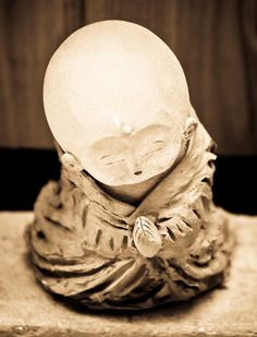 An Jizo found in a temple on Teramachi street, Kyoto, Japan. Photography by Stephane Barbery on Flickr