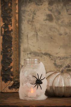 DIY Halloween Spider Lanterns