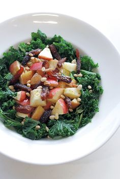 Kale, Apple and Dried Apricots Salad