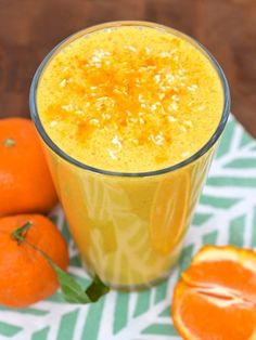 Sunshine Smoothie with Coconut, Clementine, and Turmeric #smoothie #healthy