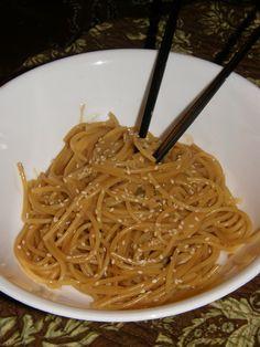thai noodles and peanut sauce