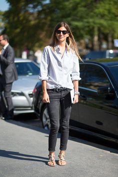 classic Paris casual. jeans & a shirt a la Alt et al. works like a charm.