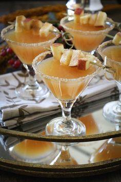 Thanksgiving Vanilla Bean Caramel Apple Cider Sparkling Cocktail