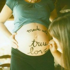Too cute babies stuff, idea, maternity photos, pregnancy photos, pregnant photos, maternity pics, pregnancy photography, belly pictures, maternity shoots