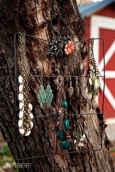 DIY jewelry organizer @Whipperberry