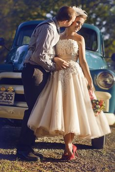 Such a cute vintage inspired gown - and of course nothing makes a better backdrop than a classic car!