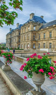 Attractive Luxembourg  Palace