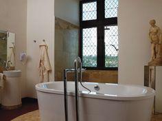 Salle de bain / Bathroom : www.maison-deco.com/salle-de-bains/deco-salle-de-bains/Les-salles-de-bains-voient-grand