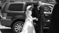 Entertaining Wedding Guests Between the Ceremony and Reception