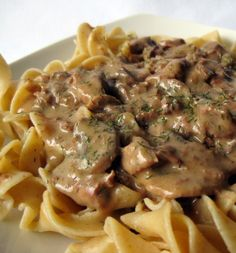 Recipe for Slow Cooker Beef Stroganoff - I am not a huge fan of red meat but this Beef Stroganoff is to die for! beefstroganoff, sour cream, crock pots, crockpot, food, meat, beef stroganoff, recip, slow cooker beef