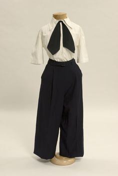 WAVES navy trousers, circa 1943. If someone has this outfit or a original WAVES dress(for working), let me know ~