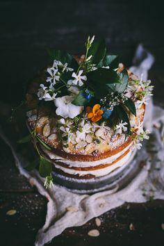 Orange Almond Cake with Orange Blossom Buttercream. #cakes #wedding #desserts