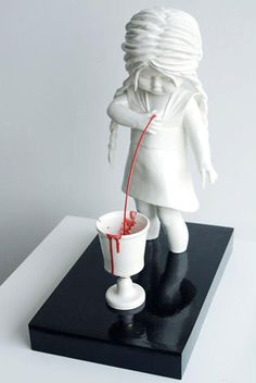 ///Cerámica Macabra por Maria Rubinke