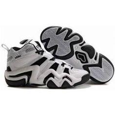 Red Adidas Basketbal Shoe