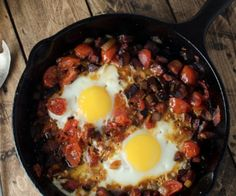 Chorizo Tomato and Egg Skillet Breakfast {gluten free and so delicious!}  http://stalkerville.net/
