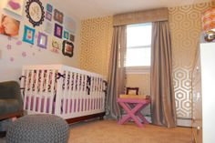 Love the #Novogratz #wallpaper in this fun, #modern #nursery.