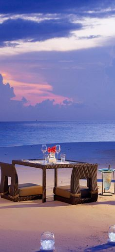 Sunset dinner.. Love Travel? Make Money Working From Home-Legitimate Online Business in Luxury Travel. SAVE Money-Travel More, Earn income from ANYWHERE visit us @ http://www.eliteholidayincome.com to find out how-
