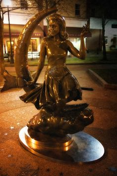 Bewitched Statue, Salem Massachusetts